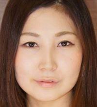 新崎雛子 (にいざきひなこ / Niizaki Hinako)