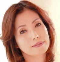 楠木麗子 (くすのきれいこ / Kusunoki Reiko)