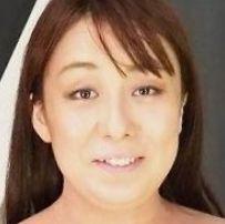 有月花 (ありつきはな / Aritsuki Hana)