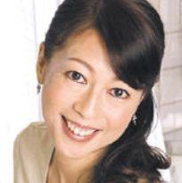 秋川真理 (あきかわまり / Akikawa Mari)
